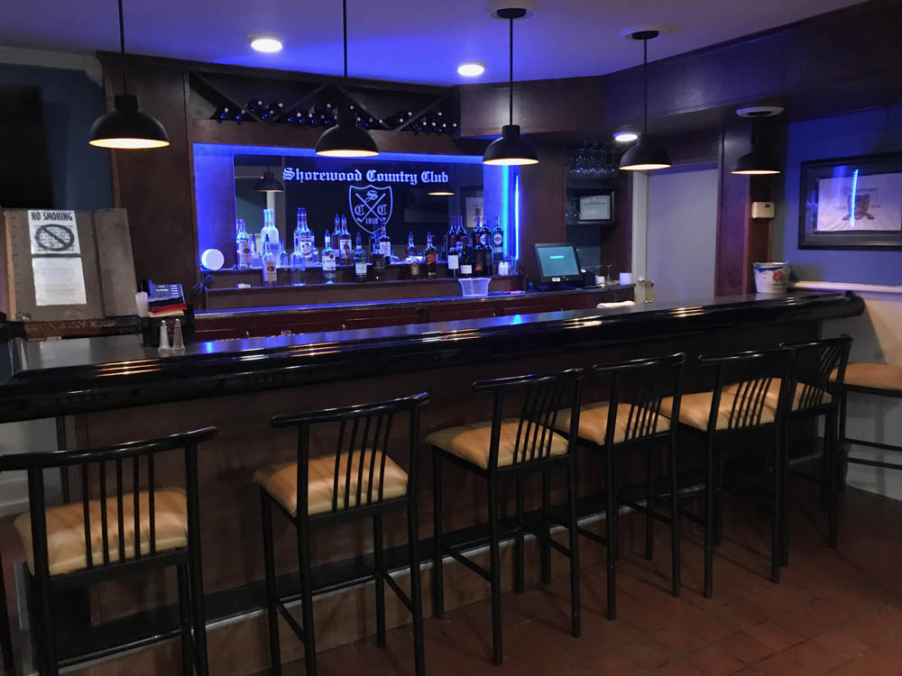 Bar - Clubhouse - Fine Dining - Shorewood Country Club